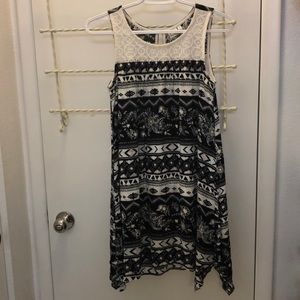 Girls Mudd Sleeless Front Laced Printed Dress